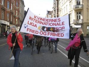 8.marts banner i blæst
