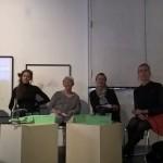 Fra venstre: Janice Førde, KULU, Isa Romby, Kvindefredsligaen, Ulla Sandbæk, Alternativet, Mette Annelie, Radikale Venstre, og Som ordstyrer, Trine Pertou Mach,